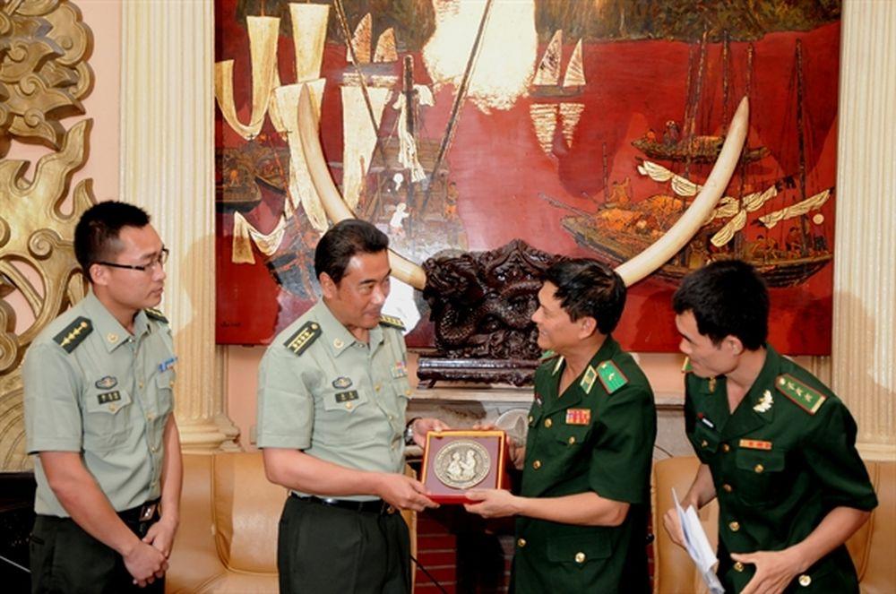 Thiếu Tướng Nguyễn Văn Nam Tiếp đoan đại Biểu Bđbp Khu Mong Tự Van Nam Trung Quốc Bao Bien Phong