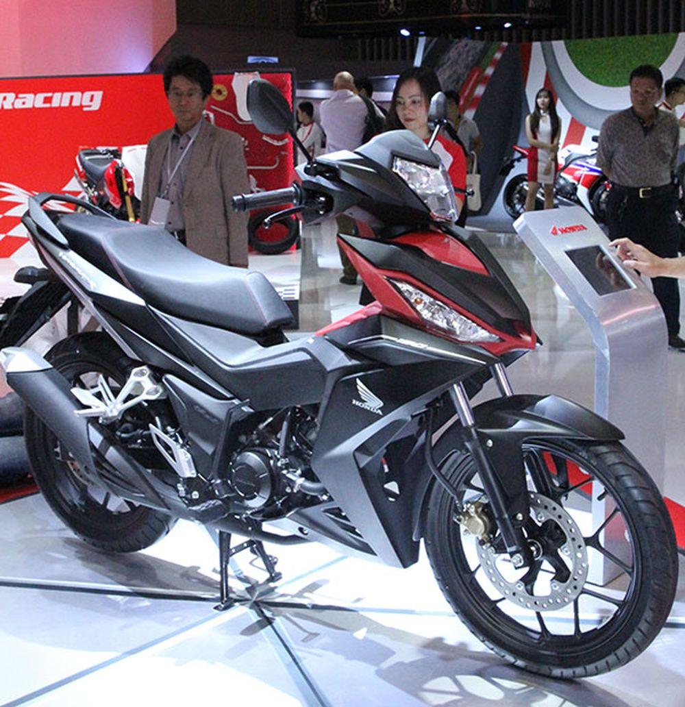 Thêm hình ảnh Honda WINNER 150 tại triển lãm mô tô, xe máy Việt Nam 2016: