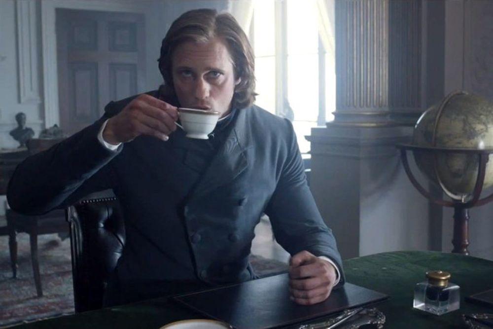 """Nổi tiếng với vai Eric trong loạt phim """"True Blood"""", nam diễn viên người  Thụy Điển Alexander Skarsgard may mắn được đạo diễn David Yates tin tưởng  giao vai ..."""
