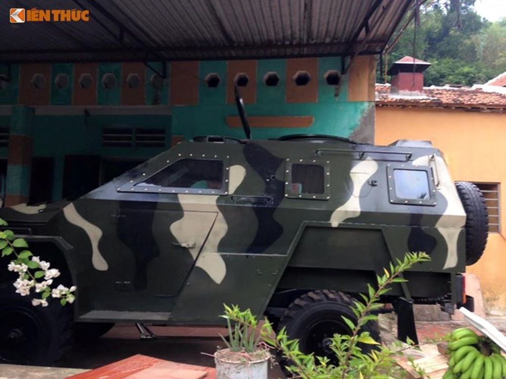... Dân Chơi Xe Được Độ Nguyên Bản Từ Chiếc Xe Ôtô Uaz-469 (Hay Có Tên Gọi  Xe U Oát Nga Tại Việt Nam) Thu Hút Sự Quan Tâm Của Cộng Đồng Mạng.