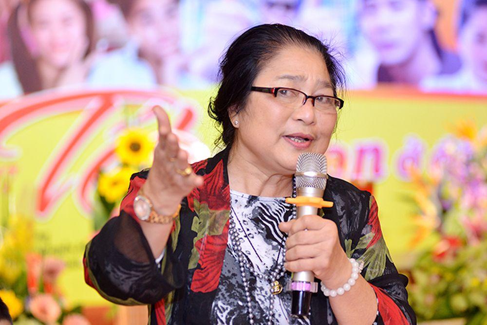 """... ngày làm thượng đế""""… nhưng có lẽ Kim Xuyến để lại ấn tượng nhất với vai  diễn bà Tâm bán phở trong bộ phim """"Canh bạc"""" của đạo diễn Lưu Trọng Ninh."""