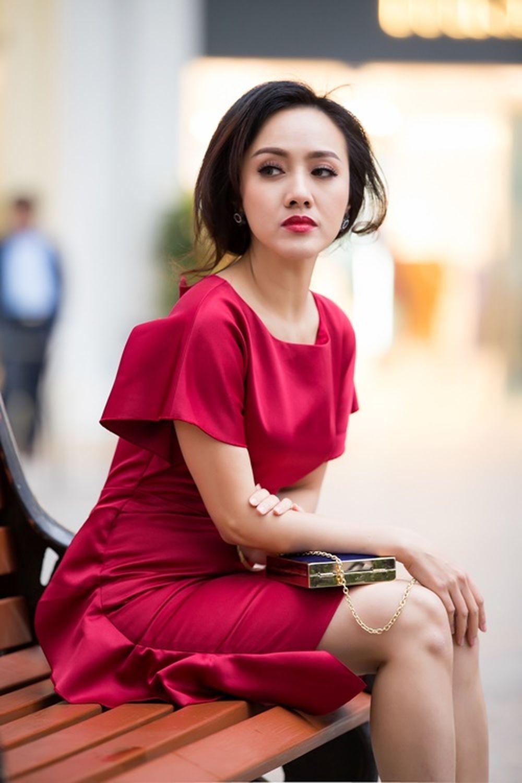 BTV Hoài Anh xinh đẹp và gợi cảm trong bộ ảnh mới - Báo