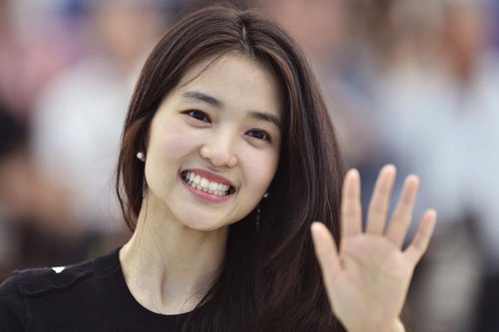 Trang Mydaily Hàn Quốc công bố Top 10 nữ diễn viên quyền lực nhất phòng vé  Hàn Quốc năm 2017. Những cái tên quen thuộc như Kim Hye Soo, Son Ye Jin, ...