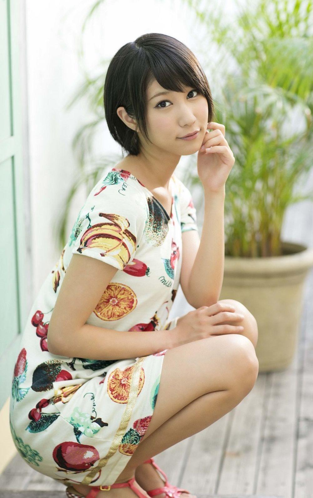 Riku Minato sinh năm 1993 tại Kanagawa, Nhật Bản. Cô đào 24 tuổi cao 1m60,  có số đo ba vòng ấn tượng 82E – 58 – 88.