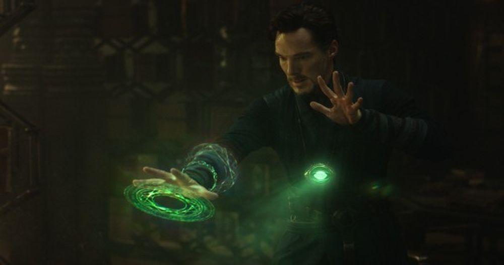 Viên Đá Thời Gian nằm trong sợi dây chuyền Con Mắt Của Agamotto được giới  thiệu chính thức với khán giả trong Doctor Strange. Viên đá cho phép người  sử dụng ...