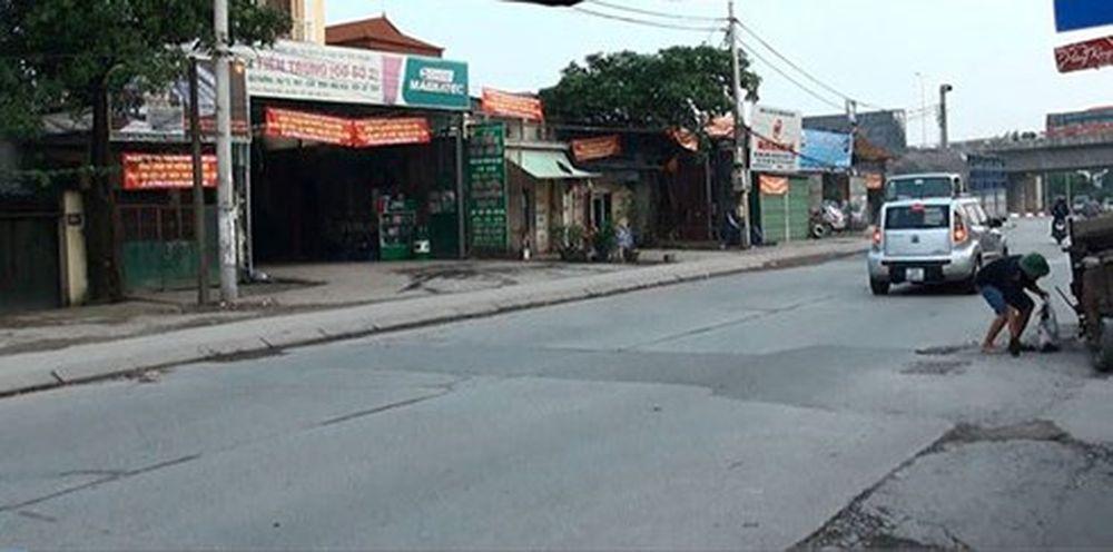 Đường Nguyễn Tam Trinh, quận Hoàng Mai, TP Hà Nội.