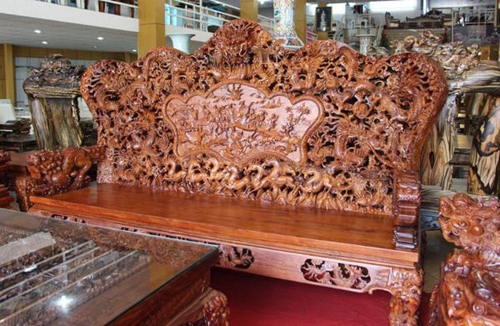 Bộ bàn ghế Rồng 10 tấn: Tây trả gần 3 tỷ không bán - Báo VietnamNet