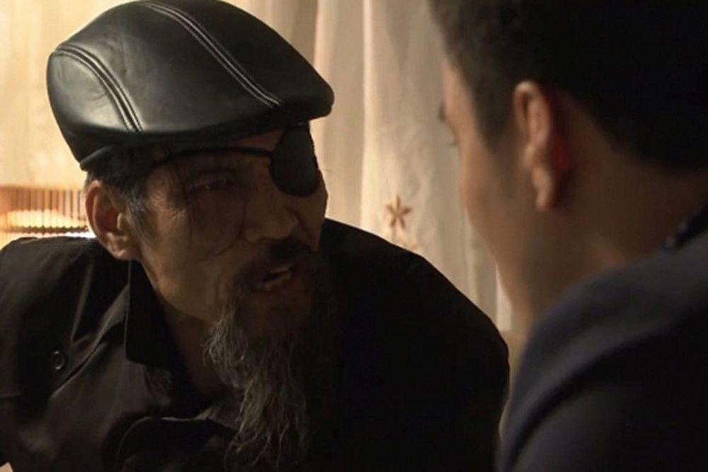 """Hình Ảnh Thế """"Chột"""" Uy Hiếp Phan Sơn (Nghệ Sĩ Quốc Trọng Đóng) - Người Anh  Của Ông Trùm Phan Quân. Ảnh: Vtv"""