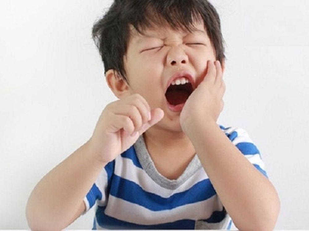 Bên cạnh việc chăm sóc răng thì việc lựa chọn những thực phẩm cần thiết vừa  giúp bổ sung những dưỡng chất cần thiết cho cơ thể mà không làm ảnh hưởng  ...