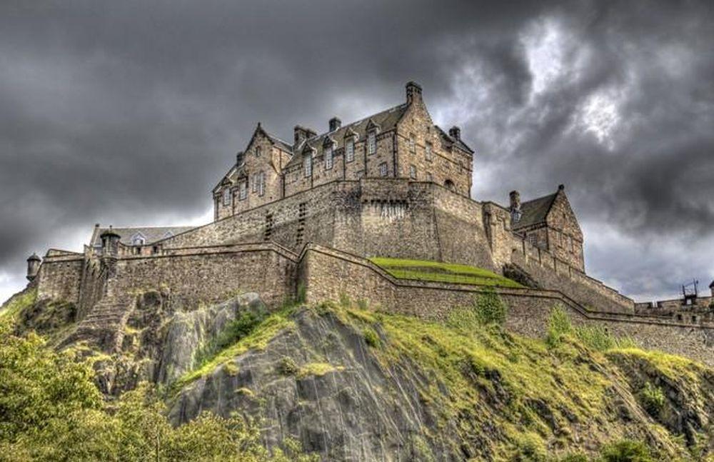 Chuyện kỳ bí khó giải ở lâu đài Edinburgh - Báo Kiến Thức