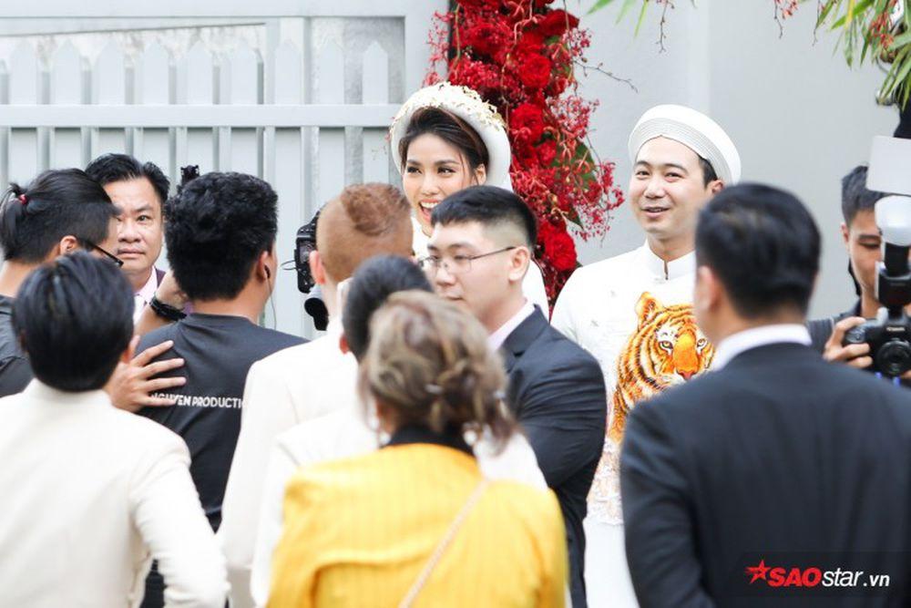 Hình ảnh xinh đẹp của Lan Khuê khiến khán giả vô cùng thu hút. Vẻ mặt rạng  rỡ của Hoa khôi Áo dài khiến người hâm mộ dám khẳng định rằng, ...