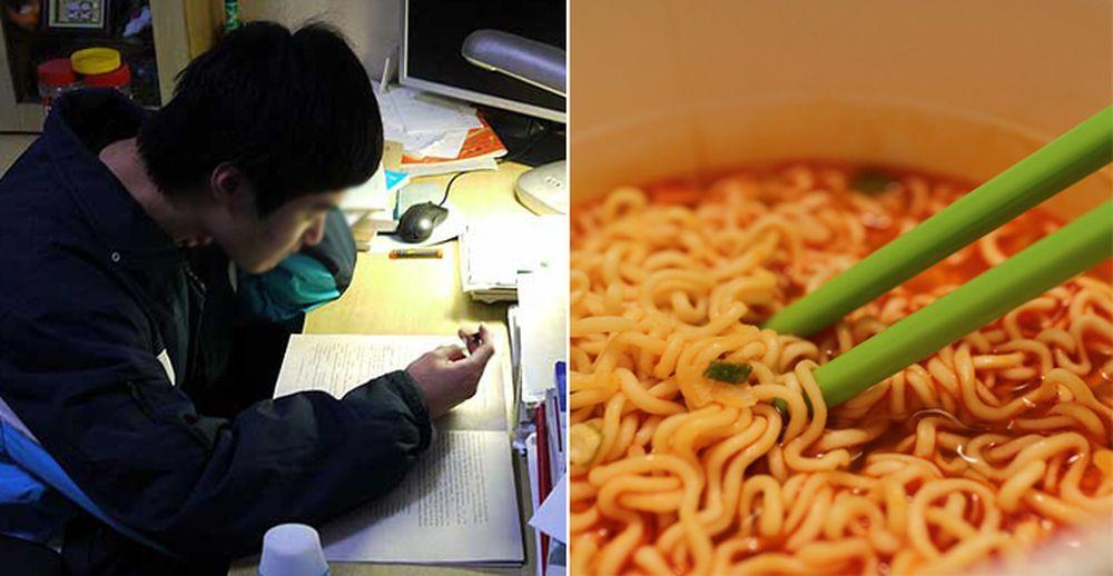 Trong những ngày thức đêm miệt mài học tập, cậu thiếu niên đã ăn mì tôm để  chống đói.
