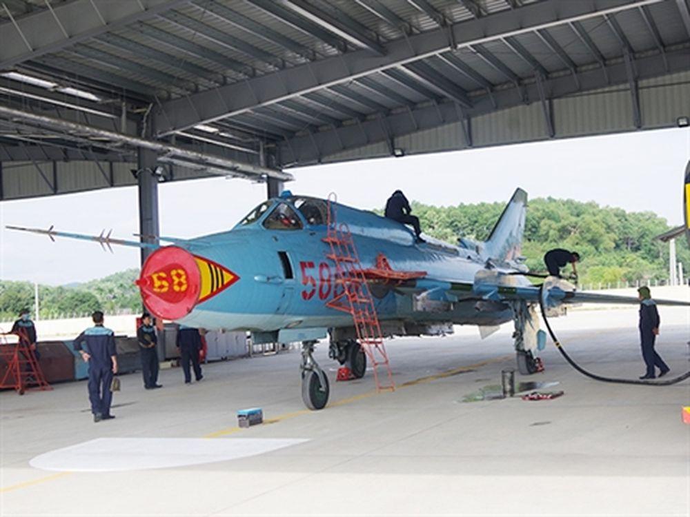 Tiêm kích bom Su-22M4 của Trung đoàn 921 tại sân bay Yên Bái
