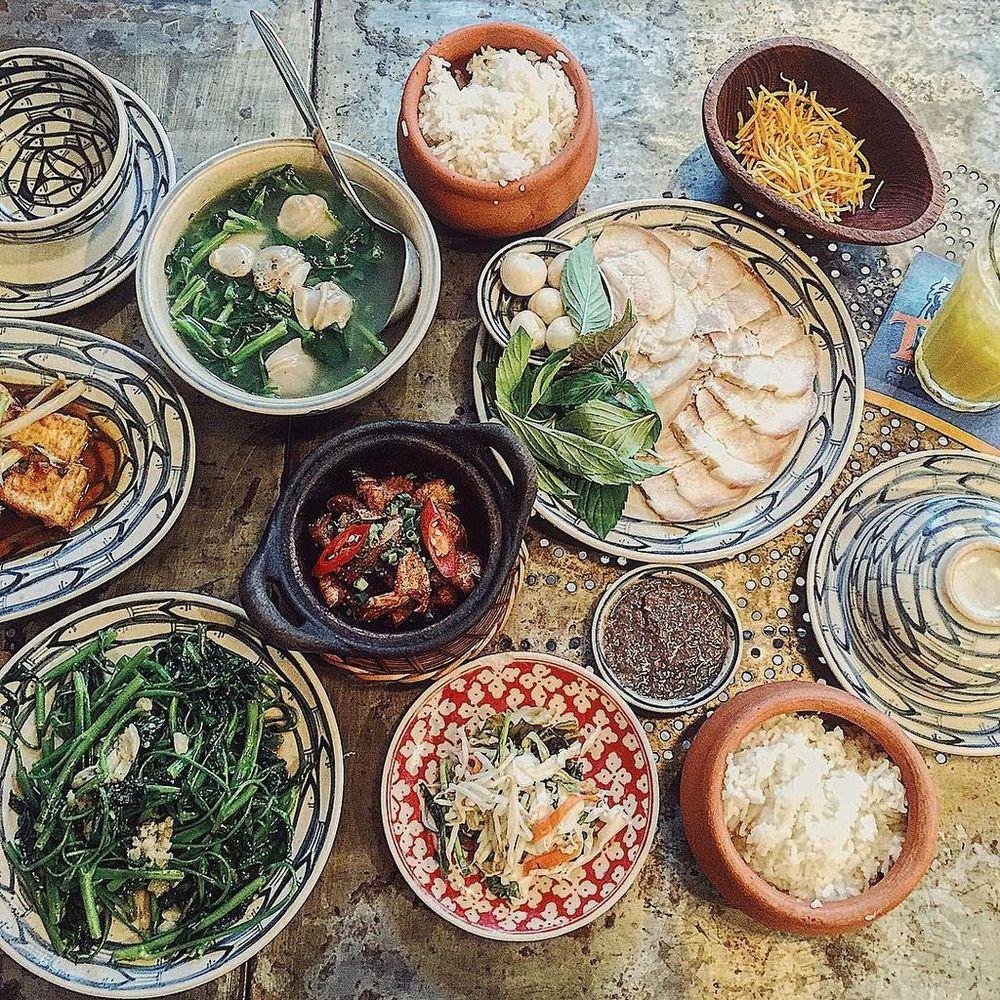 Ấm bụng với 5 quán ăn 'chuẩn cơm mẹ nấu' ở TP.HCM - Zing - Tri ...