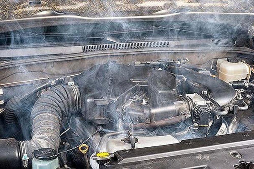 Không thay dầu động cơ ô tô định kỳ - 5 tác hại thấy rõ - Báo Nghệ An