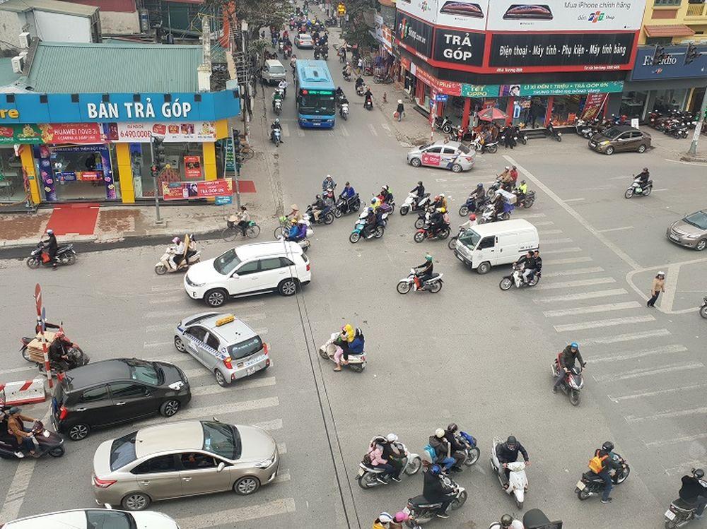 Lộn xộn tại nút Trương Định - Tân Mai - Báo Kinh Tế Đô Thị