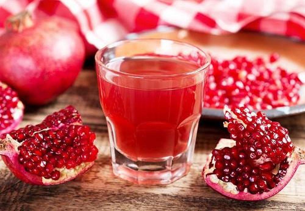Rối loạn nội tiết tố nữ nên uống nước ép từ quả Lựu