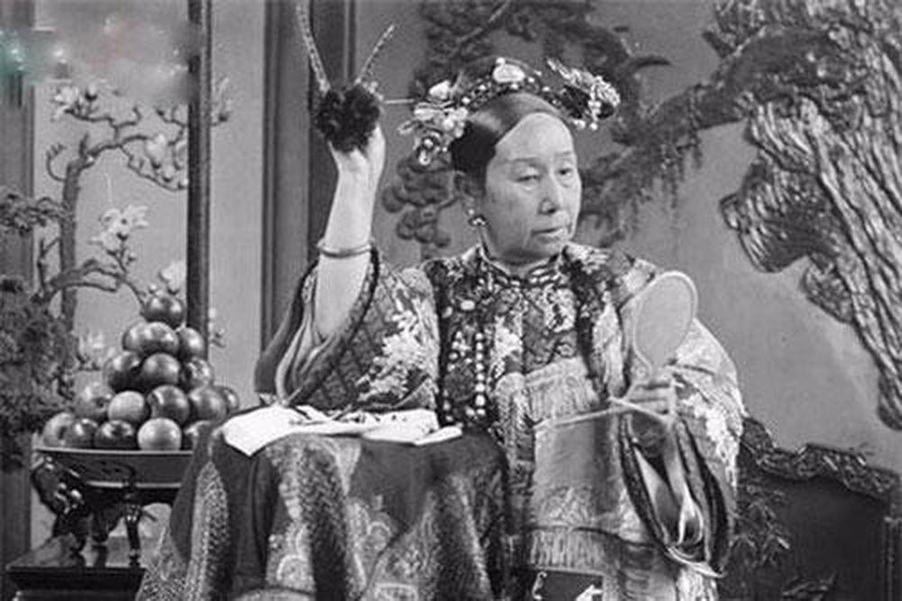 Từ Hi Thái Hậu yêu thích một món ăn đến mức sử dụng liên tục suốt 10 năm, khi biết được thành phần đã xử tử đầu bếp ngay lập tức