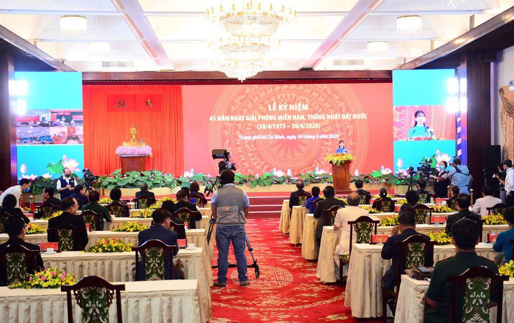 Thanh Phố Hồ Chi Minh Tổ Chức Trọng Thể Lễ Kỷ Niệm 45 Năm Ngay Giải Phong Miền Nam Thống Nhất đất Nước Bao Quan đội Nhan Dan