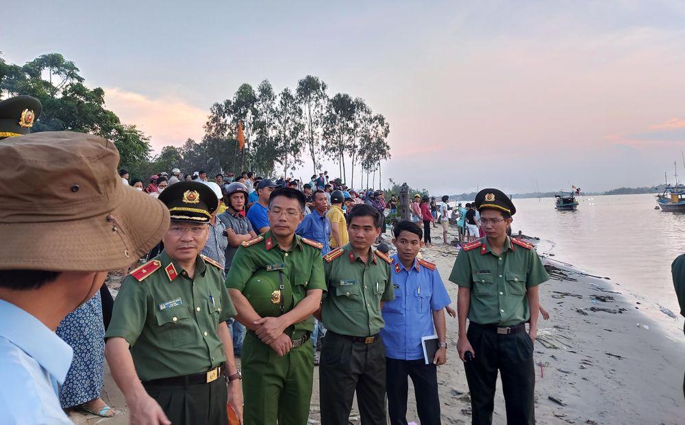 Giam đốc Cong An Quảng Nam Noi Về Nguyen Nhan Vụ Lật Ghe 5 Người Mất Tich Bao Tiền Phong