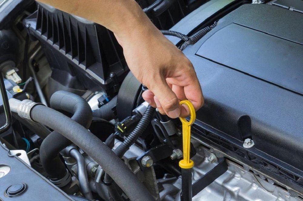 Các bước tự thay nhớt động cơ cho xe ô tô tại nhà - Cartimes