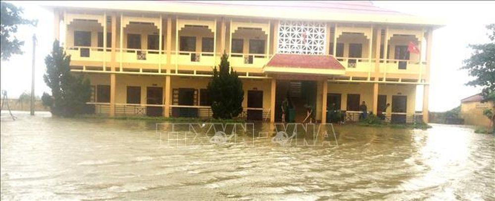 Quảng Bình: Mưa lũ khiến trên 62.000 học sinh chưa thể đến trường - Báo Tin  Tức TTXVN