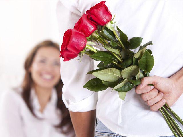 """Kết quả hình ảnh cho tặng hoa cho bạn gái"""""""