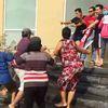 Cư dân Topaz City bị tấn công khi yêu cầu đối thoại: Văn phòng Chính phủ vào cuộc
