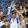 Ngày này 16 năm trước, ĐT Hy Lạp đã bước lên ngôi vô địch EURO 2004, câu chuyện cổ tích thật sự của bóng đá thế giới.