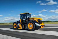 Máy cầy JCB Fastrac 8000 chạy tốc độ nhanh như siêu xe