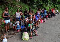 Tổng thống Trump áp chính sách tị nạn mới, hàng chục nghìn người lao đao