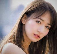 Vẻ đẹp lai của 'phóng viên thể thao gợi cảm nhất Nhật Bản'
