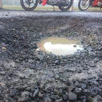 Phú Yên: Tai nạn vì 'ổ gà' trên quốc lộ, trách nhiệm thuộc về ai?