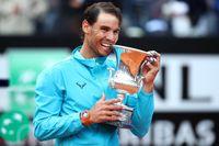Nadal vô địch Rome Masters lần 9, khẳng định vị thế Vua sân đất nện, nhưng cuộc chiến vẫn tiếp diễn