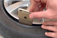 Thử nghiệm đặt iPhone vào lốp ôtô rồi chạy trên đường