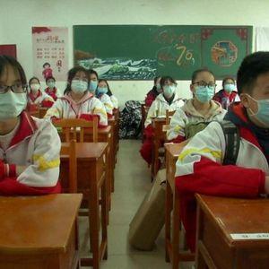 Trung Quốc cho sinh viên đi học trở lại