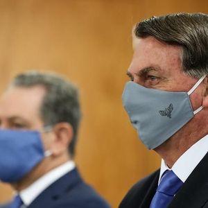 Dù Covid-19 đang 'bóp vụn' cố gắng của các địa phương, Tổng thống Brazil vẫn phủ quyết dự luật đeo khẩu trang nơi công cộng