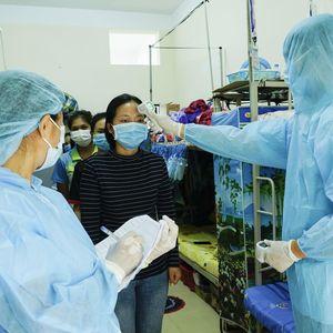 Việt Nam còn 12 trường hợp dương tính với virus SARS-CoV-2