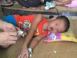 Nghệ An: Ăn bột thông bồn cầu, 3 trẻ mầm non nhập viện