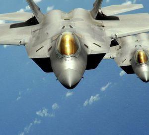 Mỹ sắp triển khai 'chim ăn thịt' F-22 đối chọi với S-300 của Nga ở Syria?