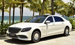 Cận cảnh Mercedes-Maybach S560 giá 11,1 tỷ đồng tại Việt Nam