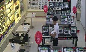 Thanh niên lái ô tô vào FPT Shop trộm laptop giấu trong quần