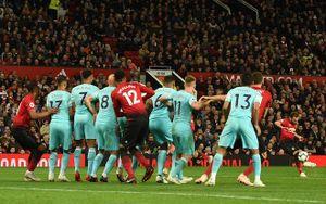 Ghi bàn cho M.U, Mata lập kỷ lục mới tại giải Ngoại hạng Anh