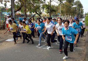 Hội Liên hiệp phụ nữ huyện Châu Phú tổ chức Hội thao và Ngày hội phụ nữ khởi nghiệp