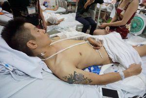 Nam thanh niên bị nhóm người bịt mặt chém nát chân ở Phú Thọ: Khởi tố vụ án