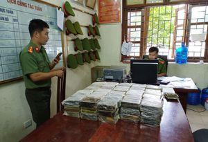 Bắt giữ vụ vận chuyển 198 bánh heroin