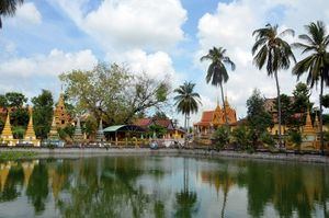 Độc đáo chùa Xà Tón