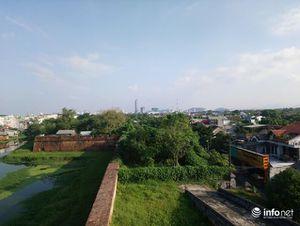 Hàng ngàn hộ dân 'sống treo' trong Di tích Kinh thành Huế