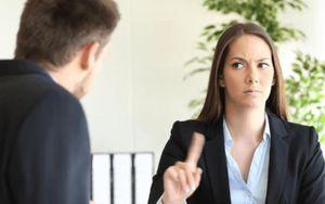 Ứng viên xưng mình khi hỏi thông tin, người tuyển tuyên bố không nhận, dân mạng tranh cãi kịch liệt