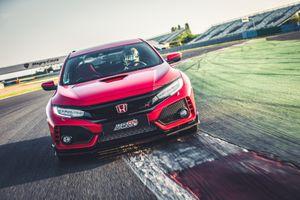 VMS 2018: Honda trưng bày xe cầu trước nhanh nhất thế giới Civic Type R